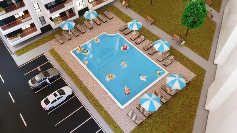 macheta piscina rezidential